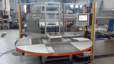 Immagine realizzazione Linea assemblaggio delle stecche rails delle porte nei frigoriferi CTF Automazioni Srl