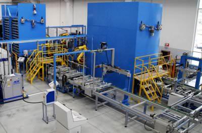 Immagine realizzazione Linea assemblaggio per porte forno CTF Automazioni Srl