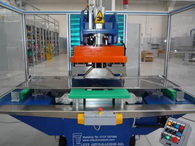 Immagine realizzazione Pressa di piegatura involucro esterno forno CTF Automazioni Srl