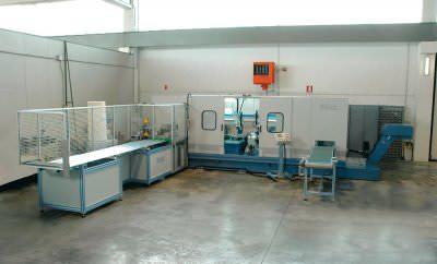 Immagine realizzazione Linea di taglio e lavorazione meccanica di componenti per impianti di condizionamento settore automotive CTF Automazioni Srl