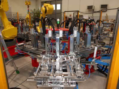 Immagine realizzazione Macchina assemblaggio coppe CTF Automazioni Srl